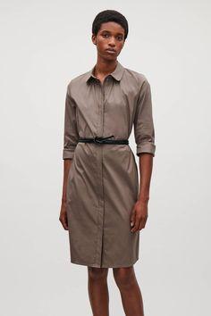 COS image 2 of 토프 in 개더 셔츠 드레스
