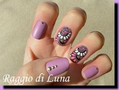 Raggio di Luna Nails: Stamping: White and pink flowers on pearly lilac