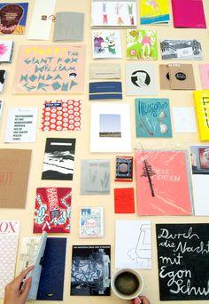 Verkaufsraum für Eigenpublikationen und Kaffee an der Kunsthochschule Kassel