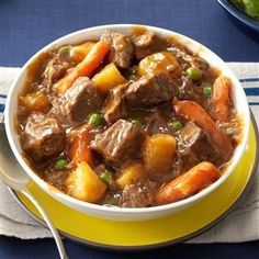 https://cdn2.tmbi.com/TOH/Images/Photos/37/300x300/Slow-Cooker-Beef-Vegetable-Stew_exps159289_SCR133211C05_21_2bC_RMS.jpg
