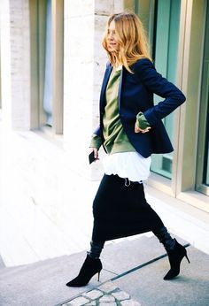 Maja Wyh is fast becoming our go-to for seriously alternative—but still incredibly chic—outfit ideas. Fashion Blogger Style, Fashion Mode, Look Fashion, Fashion Trends, Net Fashion, Dress Fashion, Latest Fashion, Mode Outfits, Chic Outfits