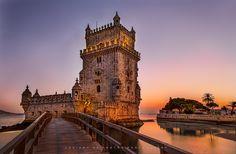 Golden Moments - Por do sol e anoitecer da Torre de Bélem em Lisboa,