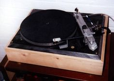 Hand built DIY turntable with linear tracking tonearm.