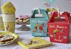 vintage tea sets | Set 20 Vintage Tea Party Napkins | DotComGiftShop