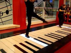 Fur Elise performed on The Big Piano at FAO Shwartz in NYC  One of my favorites! Awesome place too. shame it  closed.  NEW YORK BABY