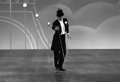 Fred Astaire in Top Hat (Mark Sandrich, 1936) Source: Maudit Animated GIF - Giphy  Clique na imagem