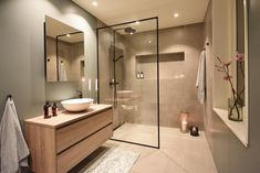 INSPIRATIONAL MONDAY brings lovely interior design inspiration every Monday. Are you ready? The first amazing bathroom makeover belongs… Modern Bathroom Design, Bathroom Interior Design, Modern Interior Design, Bathroom Renos, Bathroom Renovations, Small Bathroom, Bathroom Design Inspiration, Design Ideas, Bathroom Styling