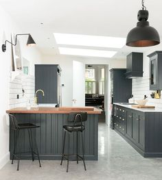 So in love with this dreamy Shaker Kitchen in East Dulwich #deVOLKitchens
