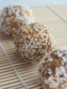 Paleo Carrot Cake Balls by kenna1984