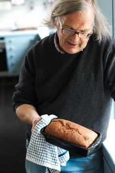 Super-easy, no-knead loaf of hearty Irish brown bread - one of my favorites!