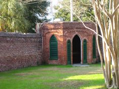 Privy at back of slave yard
