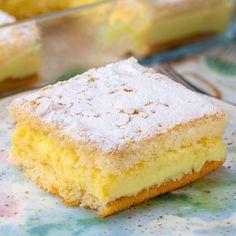 """Yemek.com on Instagram: """"Arasında misler gibi limon kokan, çok ferah bir krema var. Kekinin kıvamı ise bulut gibi yumuşacık. 🥰🍋 Bir dilimin asla yetmeyeceği efsane…"""" Montezuma, Tamarindo, Natural Kitchen, Kitchen Hacks, Vanilla Cake, Cheesecake, Food And Drink, Desserts, Recipes"""