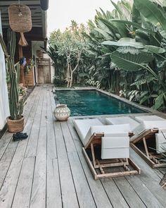 Die verrücktesten Villen in Bali mit privaten Pools – Pool Ideas Backyard Pool Designs, Small Backyard Pools, Small Pools, Swimming Pools Backyard, Swimming Pool Designs, Pool Landscaping, Backyard Patio, Lap Pools, Indoor Pools
