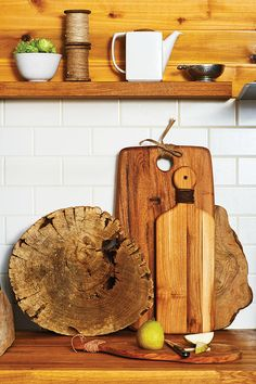 Cutting board craft: Update with leather trim- Chatelaine
