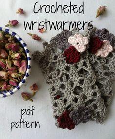Little Treasures: Crochet Pattern for Lace Wrist Warmers Tutorial  ༺✿Teresa Restegui http://www.pinterest.com/teretegui/✿༻