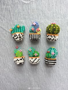 Cactus Perler Beads / kaktusy - koraliki do prasowania Perler Bead Designs, Hama Beads Design, Diy Perler Beads, Perler Bead Art, Melty Bead Patterns, Bead Embroidery Patterns, Pearler Bead Patterns, Perler Patterns, Beading Patterns