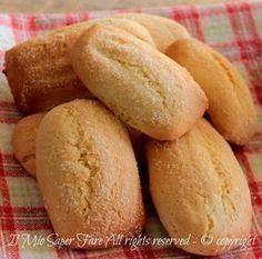 Biscotti da inzuppare nel latte senza burro genuini e friabili ideali a colazione.Biscotti casarecci ricetta pugliese.Assorbono tanto latte come piace a noi