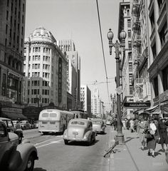 Shorpy Historical Photo Archive :: Hill Street: 1942