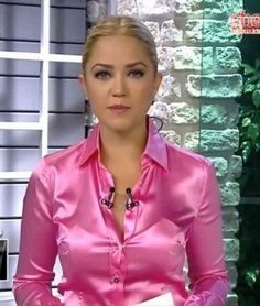 Pink fitted satin blouse | Satin