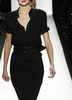 La falda lápiz es una de las prendas femeninas más favorecedoras.
