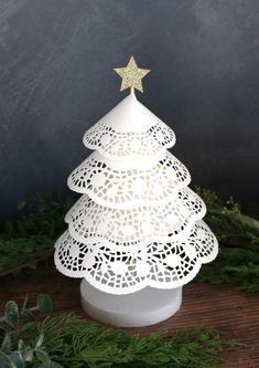 Paper Doily Crafts, Doilies Crafts, Paper Flowers Craft, Paper Doilies, Paper Crafts Origami, Christmas Tree Base, Christmas Crafts To Make, Christmas Decorations, Holiday Crafts