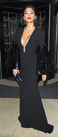 Scherzinger flaunts her ample assets in VERY plunging gown Turning heads: Nicole Scherzinger stunned in a showstopping bedazzled gown while Elizabeth.Turning heads: Nicole Scherzinger stunned in a showstopping bedazzled gown while Elizabeth. Divas, Hottest Female Celebrities, Layered Fashion, Glamour, The Most Beautiful Girl, Day Dresses, Celebrity Style, Sexy Women, Lady
