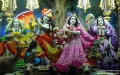 To view Radha Gopinath Lalita Vishakha Wallpaper of ISKCON Chowpatty in difference sizes visit - http://harekrishnawallpapers.com/sri-sri-radha-gopinath-lalita-vishakha-wallpaper-016/