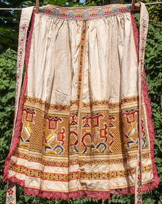 Formidable Antique Apron with Folk Hand Embroidery from