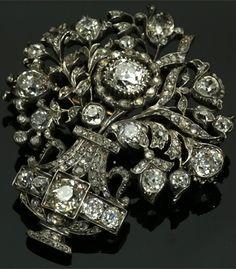 Diamond giardinetti brooch, French or English, 1780 ~ 1820s. Cushion-shaped diamond, rose-cut diamonds, silver and 18K gold.