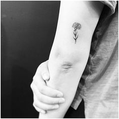 20 Wonderful Carnation Tattoo Designs – Page 2 of 2 Tiny Carnation Tattoo by evantattoo Tribal Arm Tattoos, Arm Tattoos For Guys, Trendy Tattoos, Cute Tattoos, Small Tattoos, Bird Tattoos, Tatoos, Tattoo Arm Mann, Tattoo Son