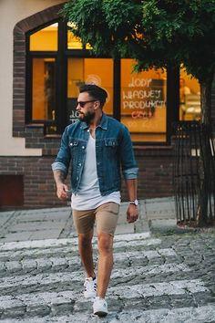 Die: White Sneakers + Beige Short + White Simple Shirt + Blue Denim Jacket