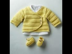 Infos: Free models offered by PHILDAR. Yellow baby clothes, waistcoat and slippers … Infos: Free models offered by PHILDAR. Baby Knitting Patterns, Knitting For Kids, Baby Patterns, Crochet Baby Cardigan, Baby Cardigan Knitting Pattern, Knit Crochet, Crochet Pattern, Baby Outfits, Kids Outfits