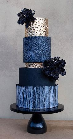Take a look at the most creative wedding cake designs for a sweet and unique dessert table come your big day. Fondant or Buttercream? Single, three tiers or five? Textured Wedding Cakes, White Wedding Cakes, Elegant Wedding Cakes, Beautiful Wedding Cakes, Wedding Cake Designs, Beautiful Cakes, Amazing Cakes, Cake Wedding, Wedding Themes