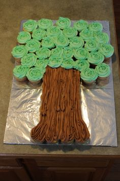 12 Owl Cake Pops Sittin' in a Tree - La Hoot Bakery - Akron, Ohio Monkey Cupcake Cake, Pull Apart Cupcake Cake, Safari Cupcakes, Ladybug Cakes, Owl Cakes, Owl Cake Pops, Bakery Names, Baby Shower Cupcakes For Boy, Cupcake Wars