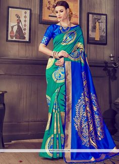 Its a master piece in its class glorifying your timeless beauty. Be ready to slip in the comfort zone of multi colour kanchipuram silk classic designer saree. The lovely abstract print work throughout. Trendy Sarees, Fancy Sarees, Art Silk Sarees, Silk Sarees Online, Silk Sarees With Price, Designer Sarees Online Shopping, Traditional Silk Saree, Casual Saree, Desi Clothes