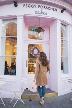 Peggy Porschen is something of a London institution and a must for anyone with a sweet tooth.  Find them at 116 Ebury Street, Belgravia, London, SW1W 9QQ – no bookings, just try and avoid the after school rush at 4/5pm  There's just muffin' better than a good catch up over tea and cake!
