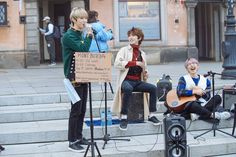 M.O.N.T 폴란드에서 민트를 위한 버스킹💓 #MONT #Busking in #Poland #Warsaw We will come back again💓 Photo by @baragi71 Kpop Boy, Kpop Groups, K Idols, Monsta X, Red Roses, Baby Strollers, Fandoms, Entertainment, Boys