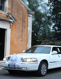 Mangiameli Auto nuovo arrivò auto da Cerimonia che da lunedì 22 aprile troverete in esposizione alle porte di Catania venite a trovarci.