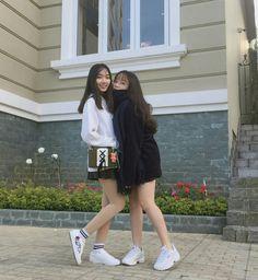 Korean Girl Photo, Cute Korean Girl, Bff Girls, Korean Best Friends, Friend Poses, Bff Pictures, Cute Friends, Bad Girl Aesthetic, Ulzzang Girl