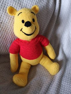 Amigurumi crochet winnie the pooh free pattern. You can find free recipes and images of many amigurumi knitting toy models on our website. Crochet Gratis, Crochet Amigurumi Free Patterns, Crochet Animal Patterns, Crochet Animals, Free Crochet, Knitting Patterns, Disney Winnie The Pooh, Winnie The Pooh Blanket, Winnie The Pooh Pictures
