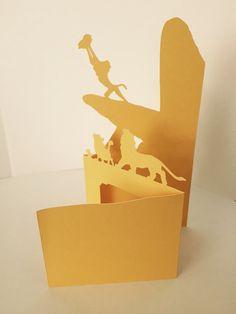 Rey León inspirada tarjeta de corte de papel en blanco