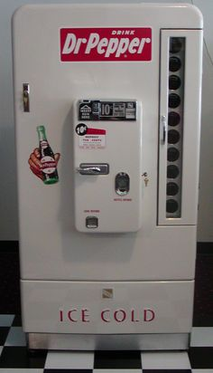 The VMC 110 Dr Pepper Machine is similar to the Vendo but were manufactured for soda brands other than Coca Cola. The ones pictured above are a VMC VMC Pepsi and VMC Dr Pepper Soda Vending Machine, Coke Machine, Vending Machines, Mountain Dew, Ginger Ale, Vintage Signs, Retro Vintage, Coca Cola, Dr. Pepper