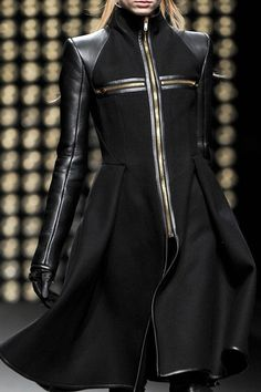 gareth pugh, 2011, future fashion, black clothing, futuristic fashion, black, clothing, fashion, fashion girl, model