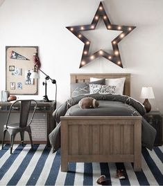 Lovely Decor Ideas For Boys Rooms   Striped Rug