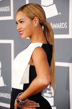 Straight up Beyonce hair.