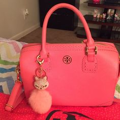 Sale 2Day Tory burch! 100% authentic ! No stain No scratches! Really Good Condition .Hand Bag & U can use Body Bag!One Day Sale Value Trade $500 Tory Burch Other