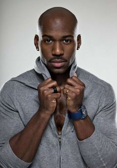 If this man was my trainer I would never struggle at the gym. Dolvett, fly your sexy ass to the tri-state and train me!