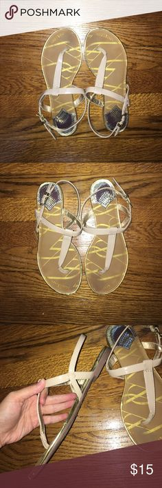SAM AND LIBBY NUDE SANDALS/ FLIP FLOPS Bought from target, worn a few times, slight sign of wear but not noticeable once on, super comfy and the sole is squishy almost so they don't hurt after standing for a long time, bundle 2 or more from my closet and save 5% Sam & Libby Shoes Sandals