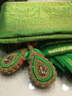Saree Kuchu New Designs, Saree Tassels Designs, Saree Blouse Neck Designs, Bridal Blouse Designs, Hand Work Blouse Design, Simple Blouse Designs, Embroidery Neck Designs, Hand Work Embroidery, Silk Bangles