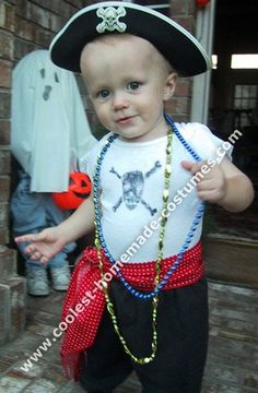 10 Cool Homemade Pirate Costume Ideas for Halloween  sc 1 st  Pinterest & 10 Cool Homemade Pirate Costume Ideas for Halloween | Pinterest ...